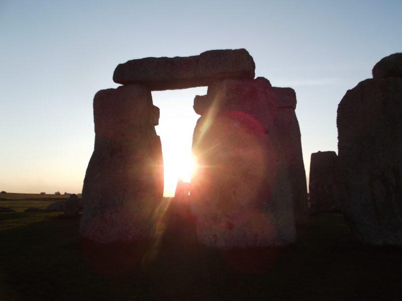 Május 1 Stonehenge-ben