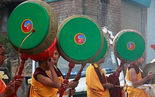 Tibeti membranofon hangszerek