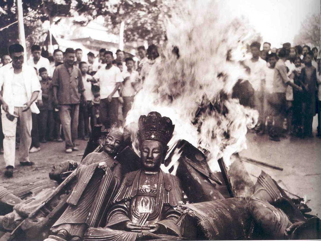 Kommunista pusztítás Tibetben