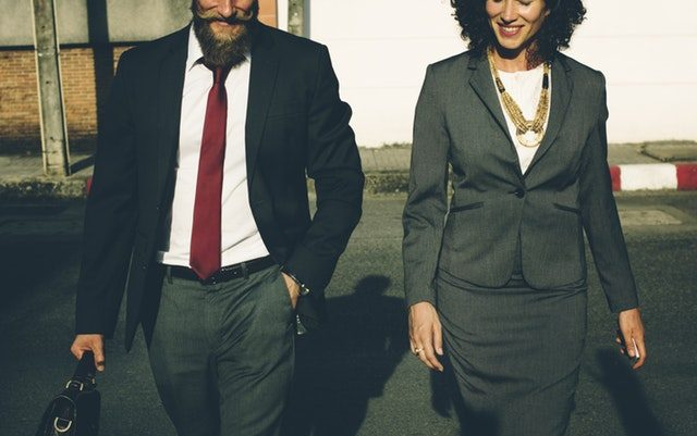 Vállalkozás és ezotéria: Főnökök és beosztottak tánca