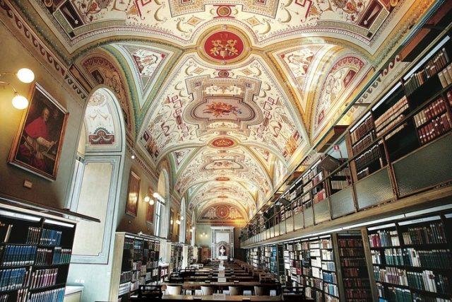 Kétezer éves, titkos szentélyt tártak fel Rómában, a Vatikáni Könyvtártól nem messze