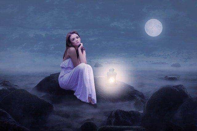 Holdnaptár 2022